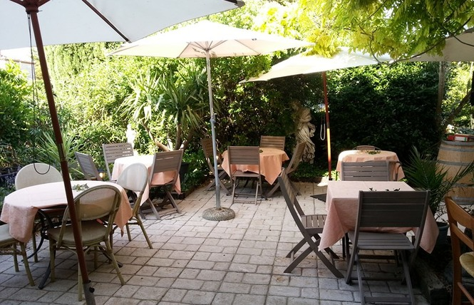 la villa smeralda office de tourisme de villeneuve sur lot. Black Bedroom Furniture Sets. Home Design Ideas
